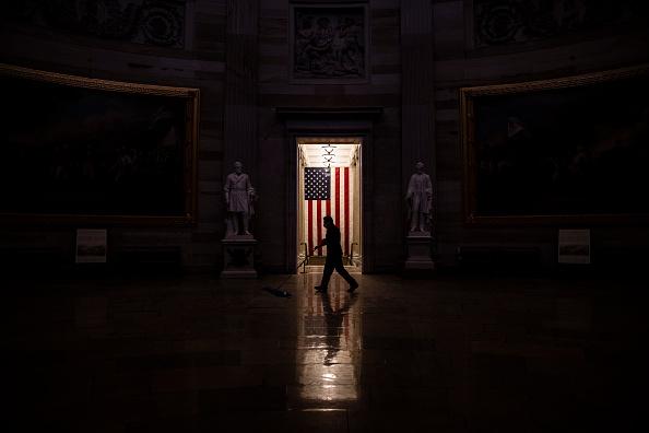 Capitol Hill「Washington DC Tense After U.S. Capitol Is Stormed By Protestors」:写真・画像(15)[壁紙.com]