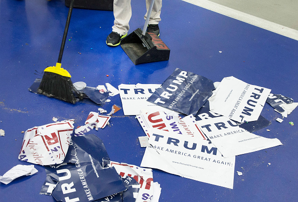 Sweeping「Donald Trump Holds Campaign Rally In Warren, Michigan」:写真・画像(9)[壁紙.com]