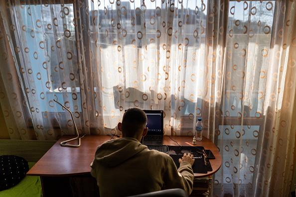Internet「Bulgarians Brace For New Restrictions Amid Covid-19 Surge」:写真・画像(19)[壁紙.com]