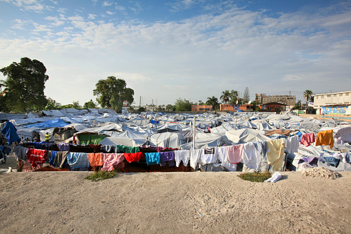 Entertainment Tent「Tent camp at Port-au-Prince」:スマホ壁紙(15)