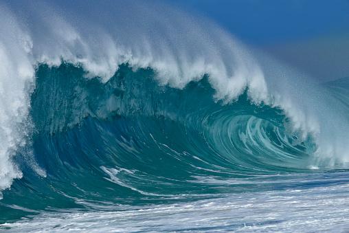 オアフ島「USA, Hawaii, Oahu, Pacific Ocean, Big dramatic wave」:スマホ壁紙(5)