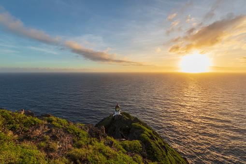 Pacific Coast「USA, Hawaii, Oahu, Honolulu, View from Makapu'u Point, Lighthouse at sunrise」:スマホ壁紙(13)