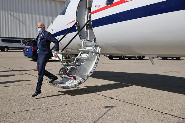 Risk「Joe Biden Campaigns For President In Michigan」:写真・画像(3)[壁紙.com]