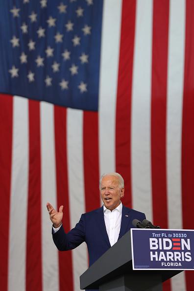 Portrait「Democratic Presidential Nominee Joe Biden Campaigns In Florida」:写真・画像(19)[壁紙.com]