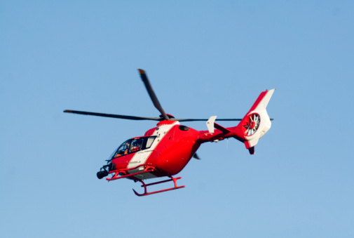 Helicopter「Red rescue helicopter, low angle view」:スマホ壁紙(18)