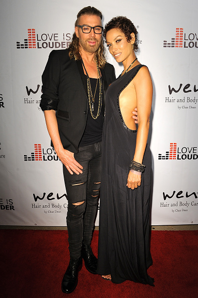 Arm Around「Chaz Dean's Summer Party Benefiting Love Is Louder」:写真・画像(19)[壁紙.com]