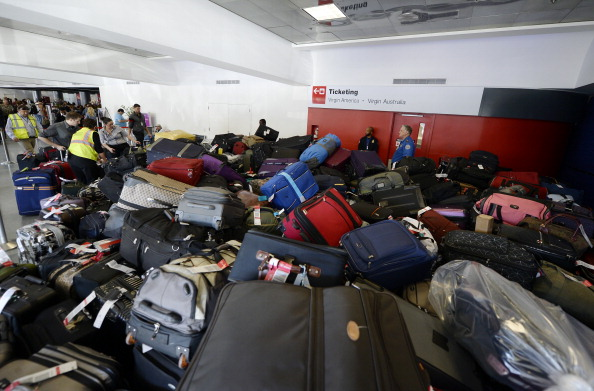 Luggage「Travelers Use Los Angeles International Airport Day After Shooting Killed One TSA Agent」:写真・画像(10)[壁紙.com]