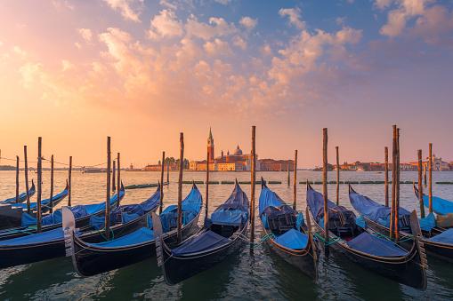 Gondola「Summer morning in Venice」:スマホ壁紙(13)
