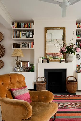 Ceiling Fan「London flat of interior designer Sarah Vanrenen」:スマホ壁紙(18)