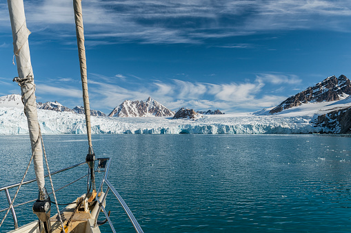 Svalbard Islands「Svalbard Expedition by Sailing Boat to Nothern Fjords, Glacier」:スマホ壁紙(10)
