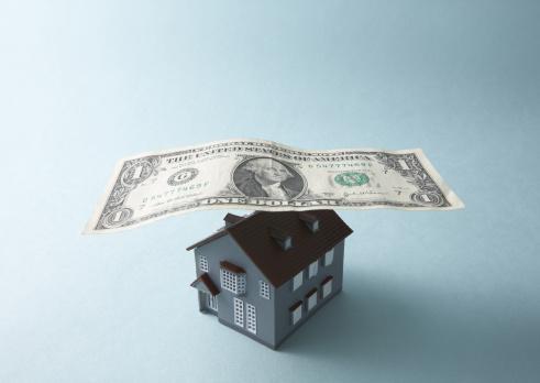 Economic fortune「Dollar bill and miniature house」:スマホ壁紙(18)
