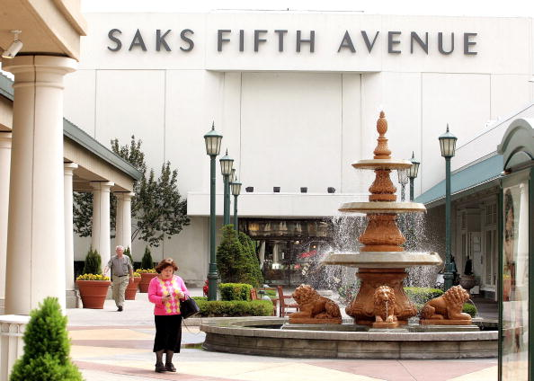 Saks Fifth Avenue「Saks To Close Two Stores」:写真・画像(2)[壁紙.com]