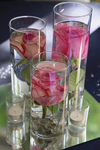 Rose - Flower「Centerpiece of pink roses in vases」:スマホ壁紙(12)