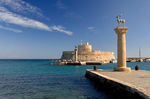 Circa 14th Century「Rhodes Landmark Mandraki Port」:スマホ壁紙(0)