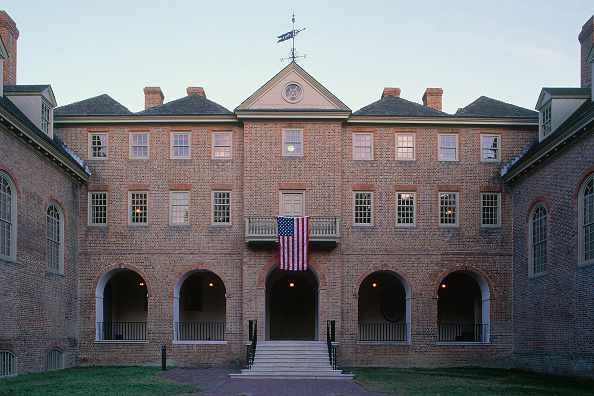 Brick Wall「William and Mary College. Virginia, USA. Designed by Christopher Wren.」:写真・画像(16)[壁紙.com]