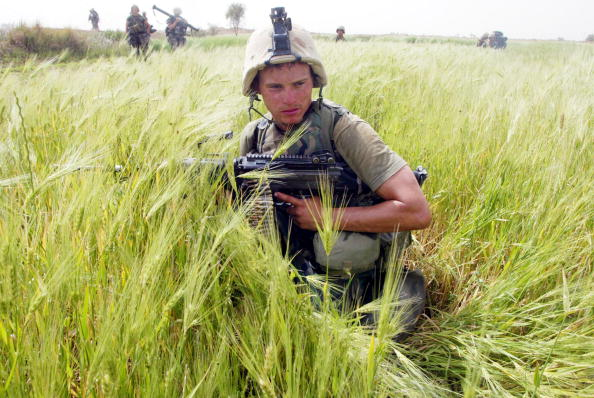 Grass Family「Marines Patrol Village In Iraq」:写真・画像(5)[壁紙.com]