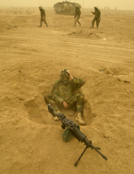 Sand Trap「Coalition Forces Move Through Southern Iraq 」:写真・画像(5)[壁紙.com]