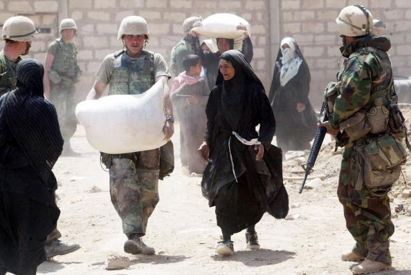 Assistance「Marines Gain Control In Nasiriyah」:写真・画像(12)[壁紙.com]