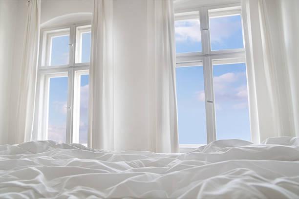 Looking the blue sky through bedroom windows:スマホ壁紙(壁紙.com)