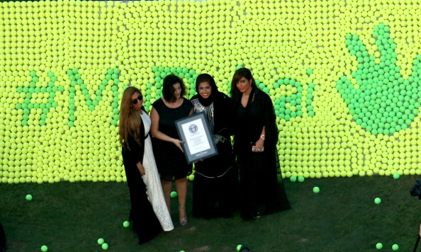 Jumeirah Beach Hotel「Guinness World Record During 101 General Assembly Meeting Of The International Tennis Federation In Dubai」:写真・画像(2)[壁紙.com]
