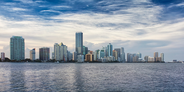 Miami「Miami skyline by the water on a sunny day」:スマホ壁紙(9)