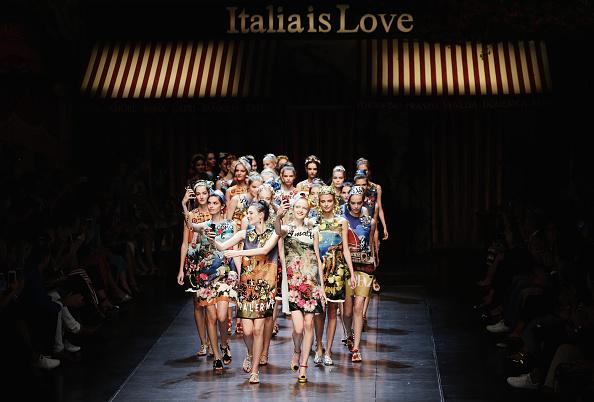 ランウェイ・ステージ「Alternative Views - Milan Fashion Week SS16」:写真・画像(2)[壁紙.com]