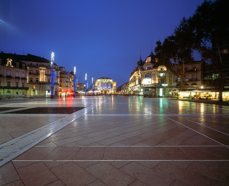 Town Square「Place de la Comedie in Montpellier」:スマホ壁紙(2)