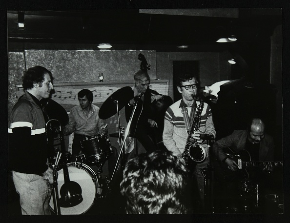 Bass Instrument「Jazz at The Bell, Codicote, Hertfordshire, January 1984. .」:写真・画像(7)[壁紙.com]