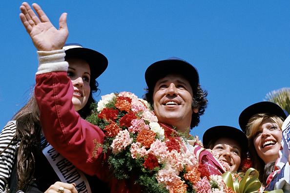 笑顔「Mario Andretti, Grand Prix Of The United States West」:写真・画像(6)[壁紙.com]