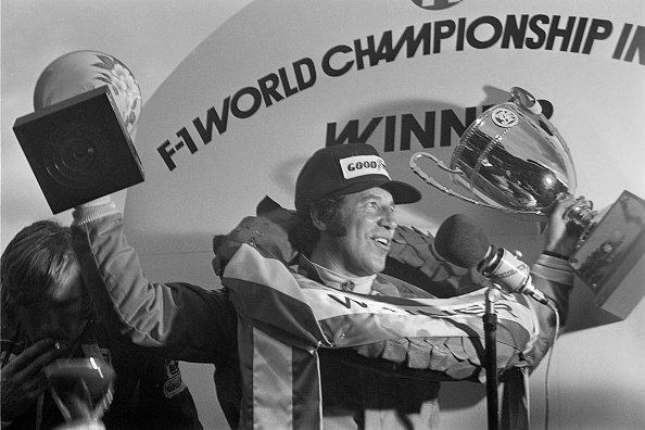Japanese Formula One Grand Prix「Mario Andretti, James Hunt, Grand Prix Of Japan」:写真・画像(0)[壁紙.com]