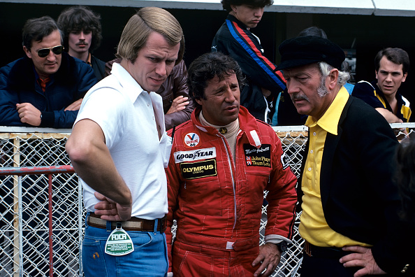 Motorsport「Mario Andretti, Colin Chapman, Paul Lauritzen, Grand Prix Of Great Britain」:写真・画像(7)[壁紙.com]