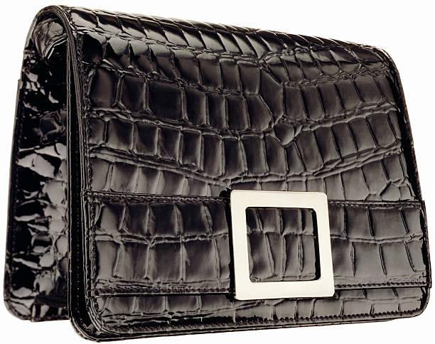 A black vintage patent leather alligator clutch:スマホ壁紙(壁紙.com)