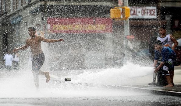 ニューヨーク市「New York Hit With Earlier Summer Heat Wave」:写真・画像(9)[壁紙.com]