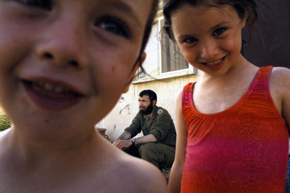 School Bus「Preparations Continue For Israeli Withdrawl From Gaza」:写真・画像(11)[壁紙.com]