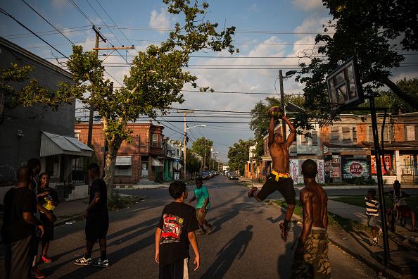Street「Camden Battles Crime And Poverty In Effort To Re-Vitalize Community」:写真・画像(13)[壁紙.com]
