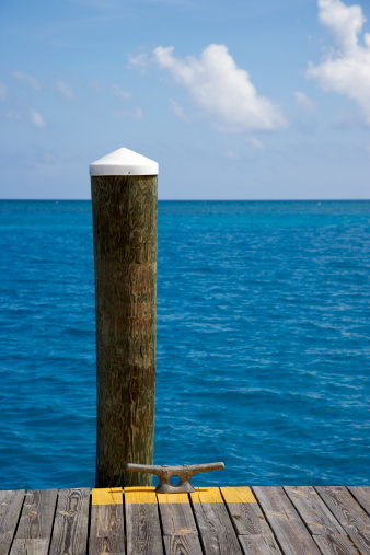 Wooden Post「Dock piling, boat cleat and empty sea」:スマホ壁紙(10)