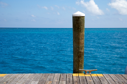 Wooden Post「Dock piling, boat cleat and empty sea」:スマホ壁紙(8)