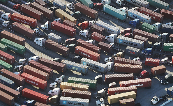 Cargo Container「China And U.S. Continue To Ramp Up Trade War, Trading A Round Of New Tariffs」:写真・画像(16)[壁紙.com]