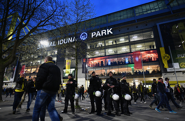 North Rhine Westphalia「Borussia Dortmund Bus Explosion Injures One」:写真・画像(12)[壁紙.com]