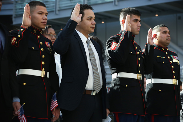 Jose Lopez「Veteran's Day Naturalization Ceremony Held At National Museum Of The Marine Corps」:写真・画像(11)[壁紙.com]