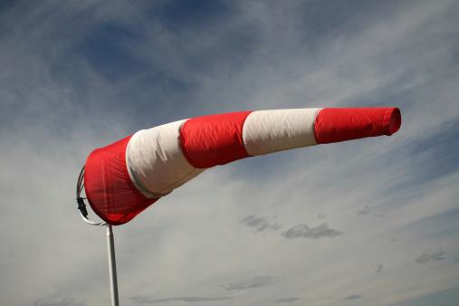 Pole「Windy day」:スマホ壁紙(0)