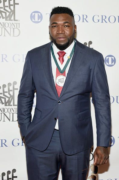 David Ortiz「32nd Annual Great Sports Legends Dinner To Benefit The Miami Project/Buoniconti Fund To Cure Paralysis - Arrivals」:写真・画像(18)[壁紙.com]