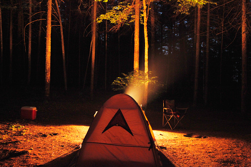 Tent「tent in front of fire at a campsite」:スマホ壁紙(4)