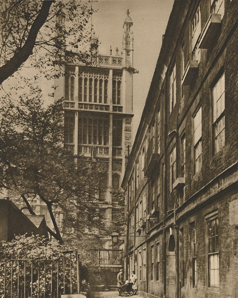 Gothic Style「Pinnacled Tower Of The Records Office From Cliffords Inn C」:写真・画像(17)[壁紙.com]