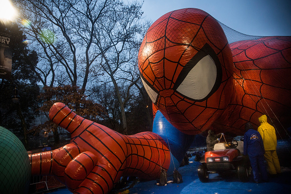 Land Vehicle「Macy's Balloon Floats Inflated Ahead Of Annual Thanksgiving Parade」:写真・画像(0)[壁紙.com]