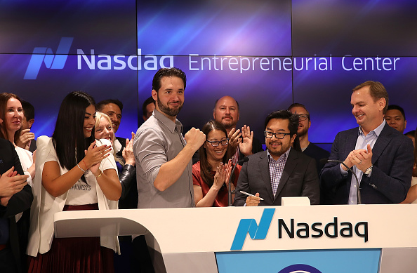ビジネスと経済「Reddit Co-Founder Alexis Ohanian Rings Nasdaq Closing Bell From San Francisco」:写真・画像(17)[壁紙.com]