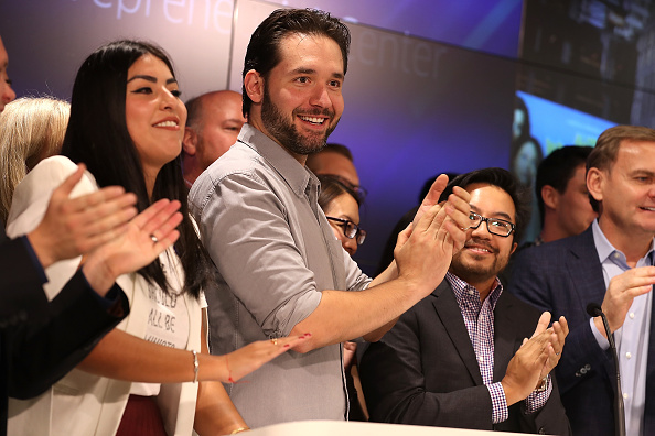 ビジネスと経済「Reddit Co-Founder Alexis Ohanian Rings Nasdaq Closing Bell From San Francisco」:写真・画像(14)[壁紙.com]
