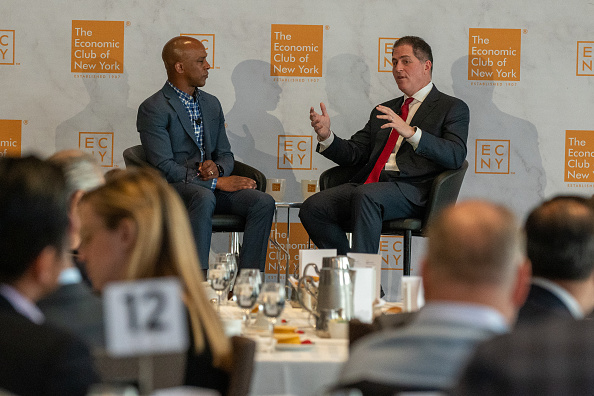 Big Data「CEO Of Dell Computers Michael Dell Speaks At The Economic Club Of New York」:写真・画像(13)[壁紙.com]