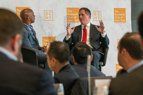 Big Data「CEO Of Dell Computers Michael Dell Speaks At The Economic Club Of New York」:写真・画像(14)[壁紙.com]