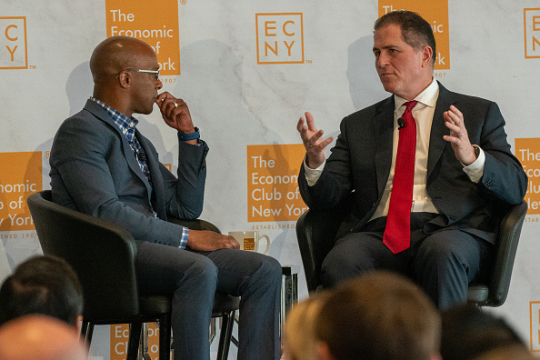 Big Data「CEO Of Dell Computers Michael Dell Speaks At The Economic Club Of New York」:写真・画像(11)[壁紙.com]